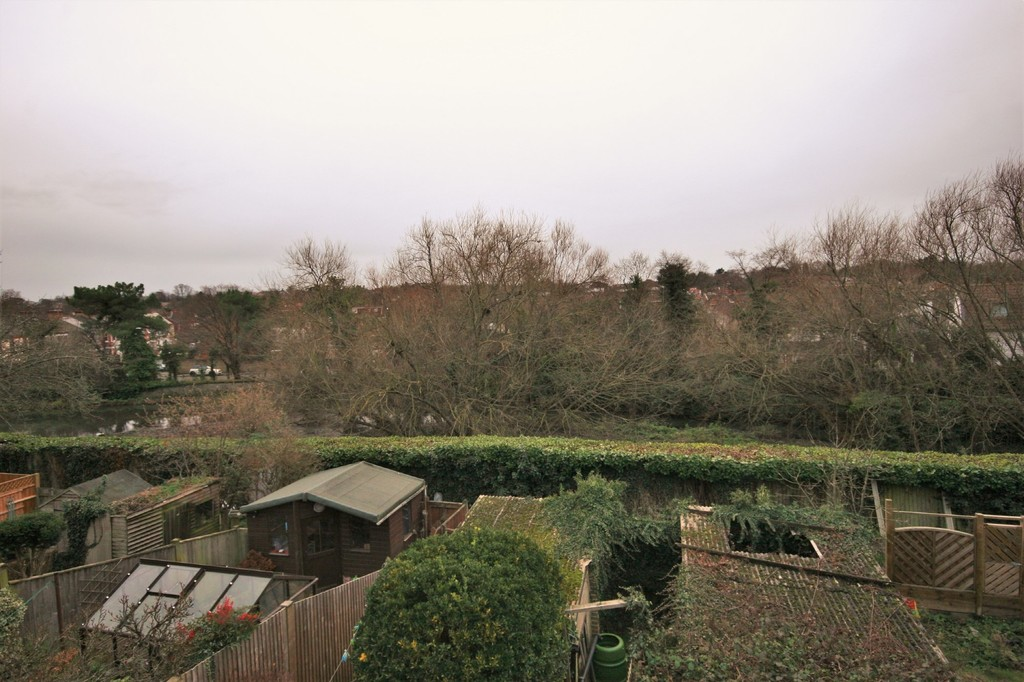 2 bed flat for sale in Mill Vale, Bromley  - Property Image 10