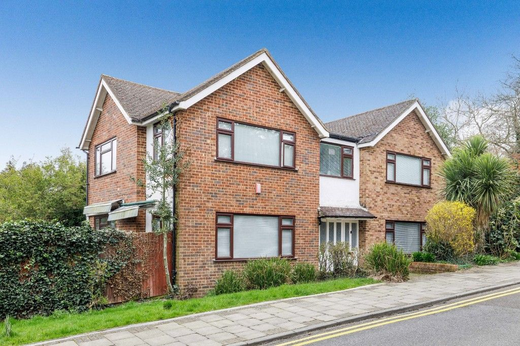 4 bed house for sale in Green Close, BR2