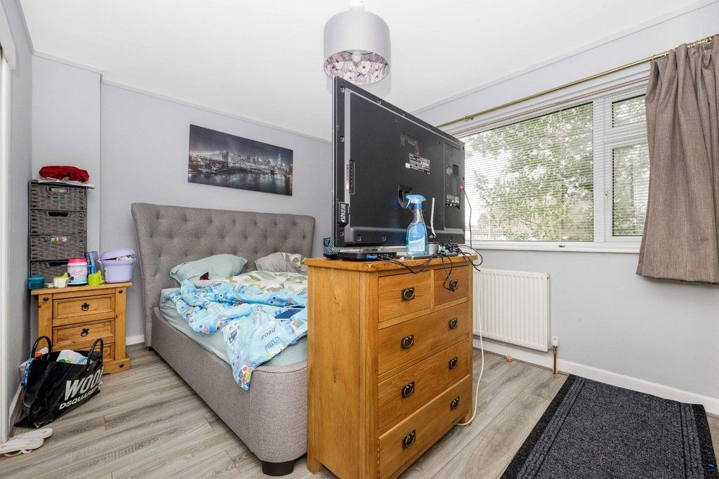 4 bed house for sale in Green Close 11