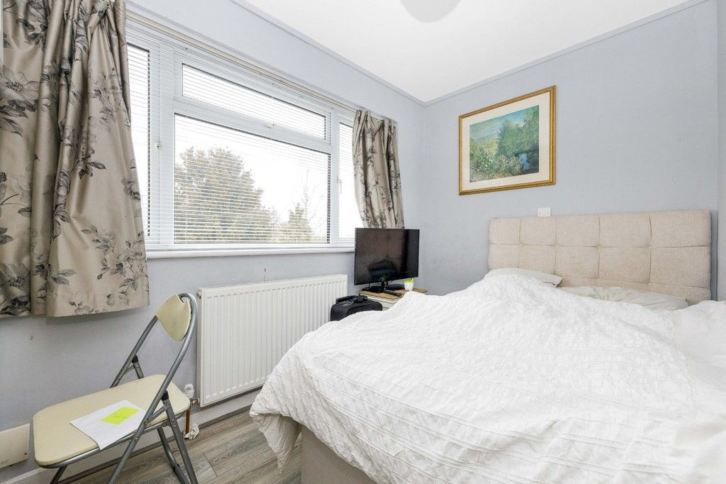 4 bed house for sale in Green Close 16