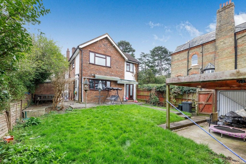 4 bed house for sale in Green Close 18