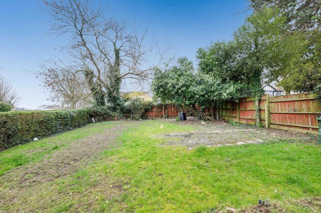 4 bed house for sale in Green Close 20