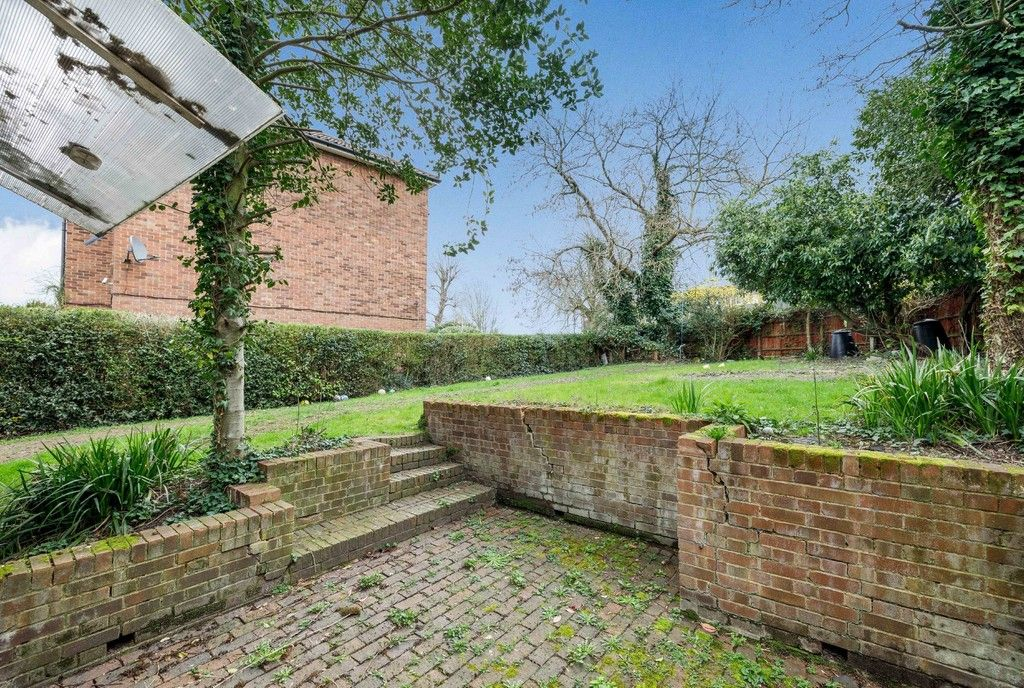 4 bed house for sale in Green Close 21