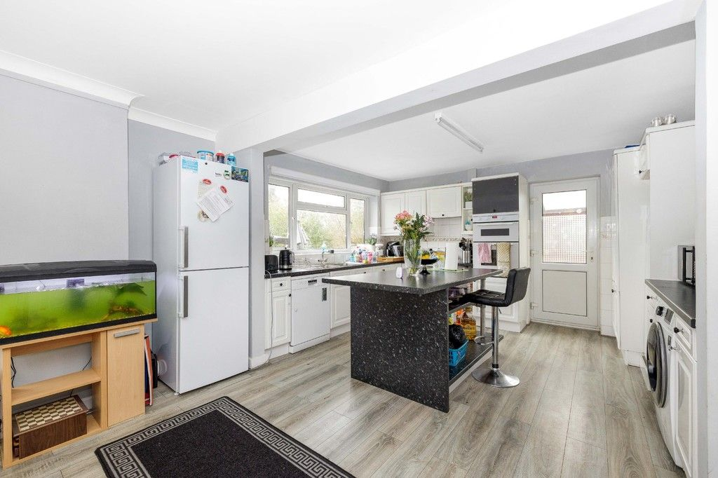 4 bed house for sale in Green Close 4