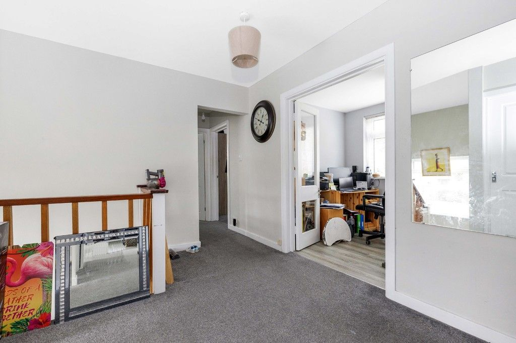 4 bed house for sale in Green Close 9
