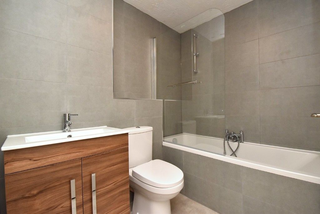 1 bed flat for sale in Cumberland Place 5