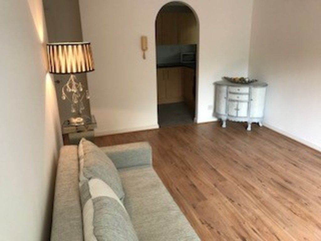1 bed flat for sale in Cumberland Place 7