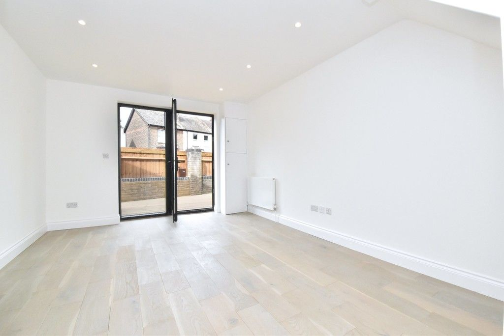 1 bed flat for sale in Page Heath Villas 9
