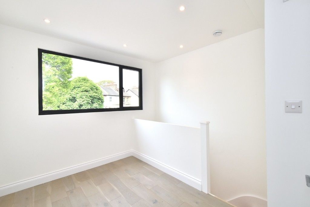 1 bed flat for sale in Page Heath Villas  - Property Image 19