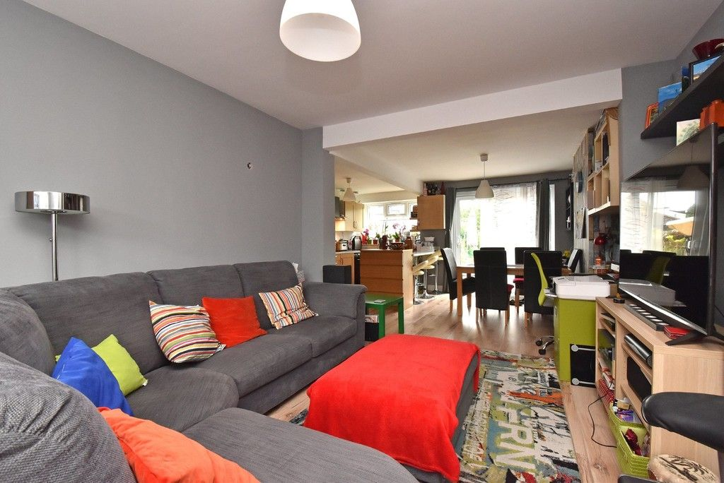 3 bed house for sale in Ruskin Walk, Bromley 3