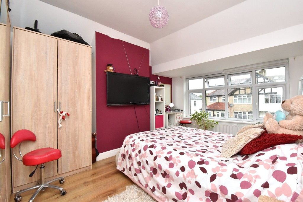 3 bed house for sale in Ruskin Walk, Bromley 6