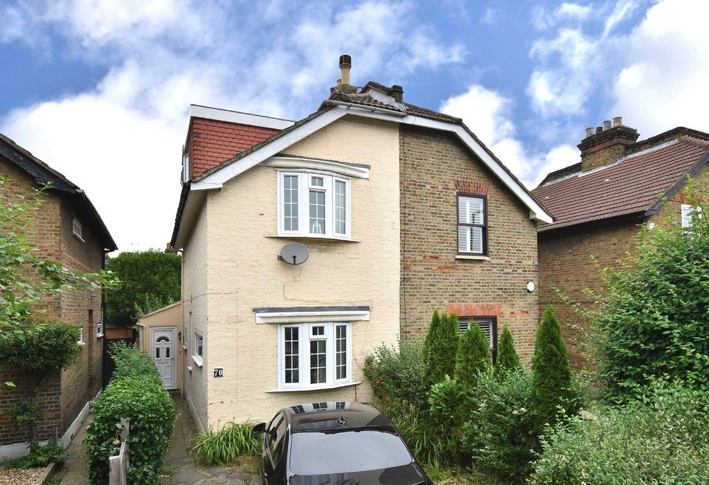 3 bed house for sale in Beckenham Lane, Bromley 1