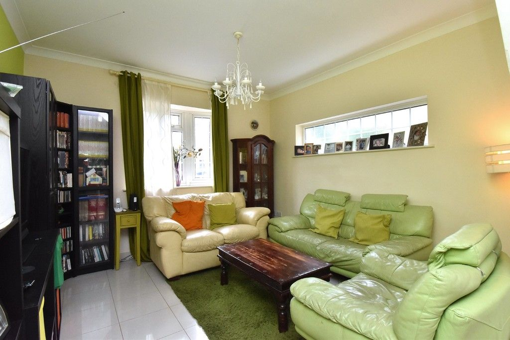 3 bed house for sale in Beckenham Lane, Bromley 7