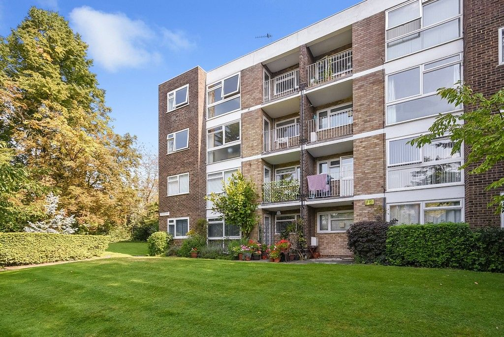 1 bed flat for sale in Beckenham Grove, Bromley 1