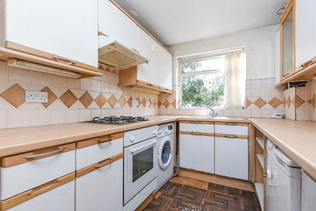 1 bed flat for sale in Beckenham Grove, Bromley 6