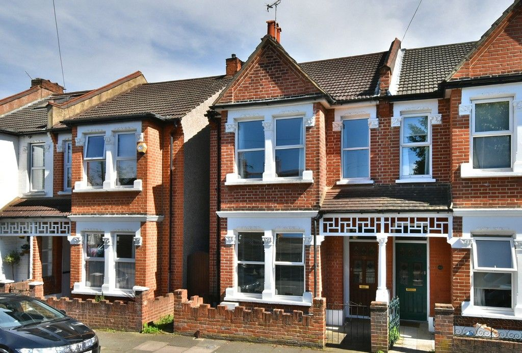3 bed house for sale in Howard Road, Bromley 1
