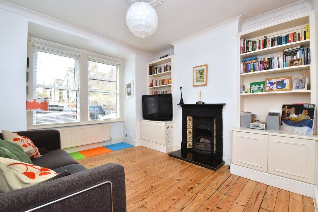 3 bed house for sale in Howard Road, Bromley 2