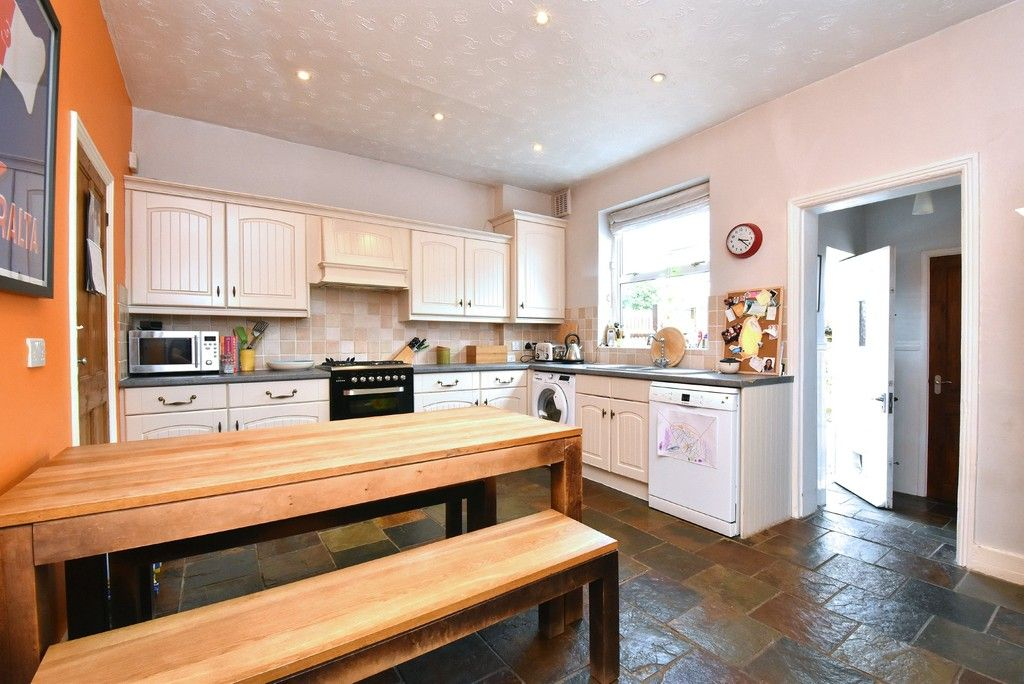 3 bed house for sale in Howard Road, Bromley 3