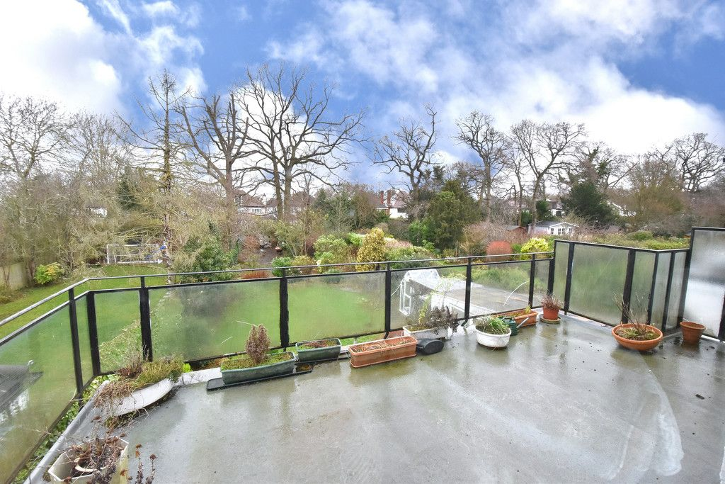 4 bed house for sale in Hayes Chase, West Wickham 7