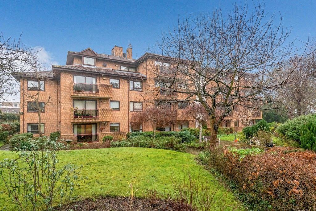 1 bed flat for sale in Bromley Road, Shortlands - Property Image 1
