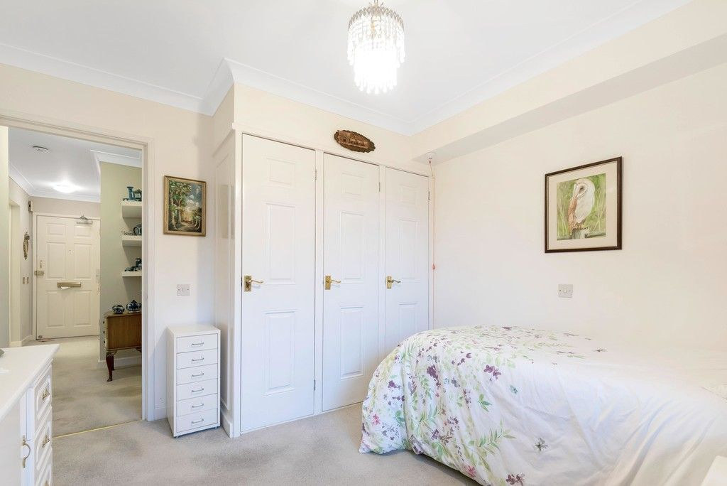 1 bed flat for sale in Bromley Road, Shortlands 11