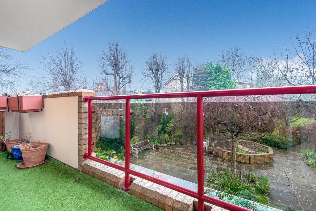 1 bed flat for sale in Bromley Road, Shortlands 12