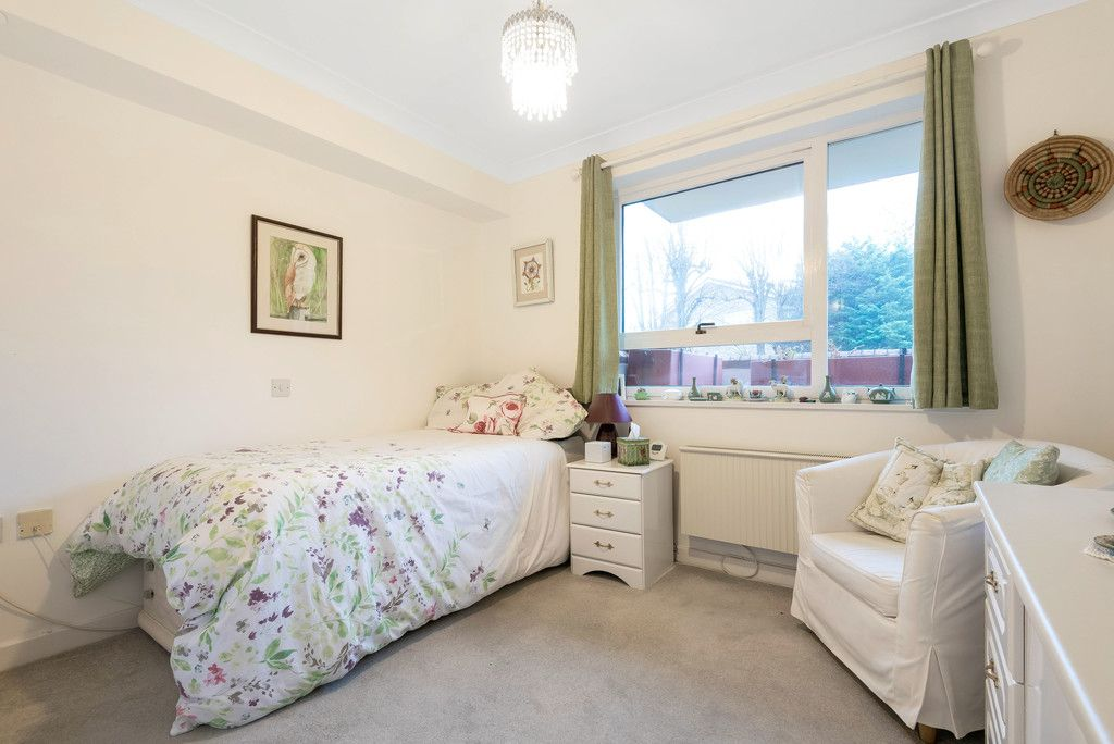 1 bed flat for sale in Bromley Road, Shortlands 9