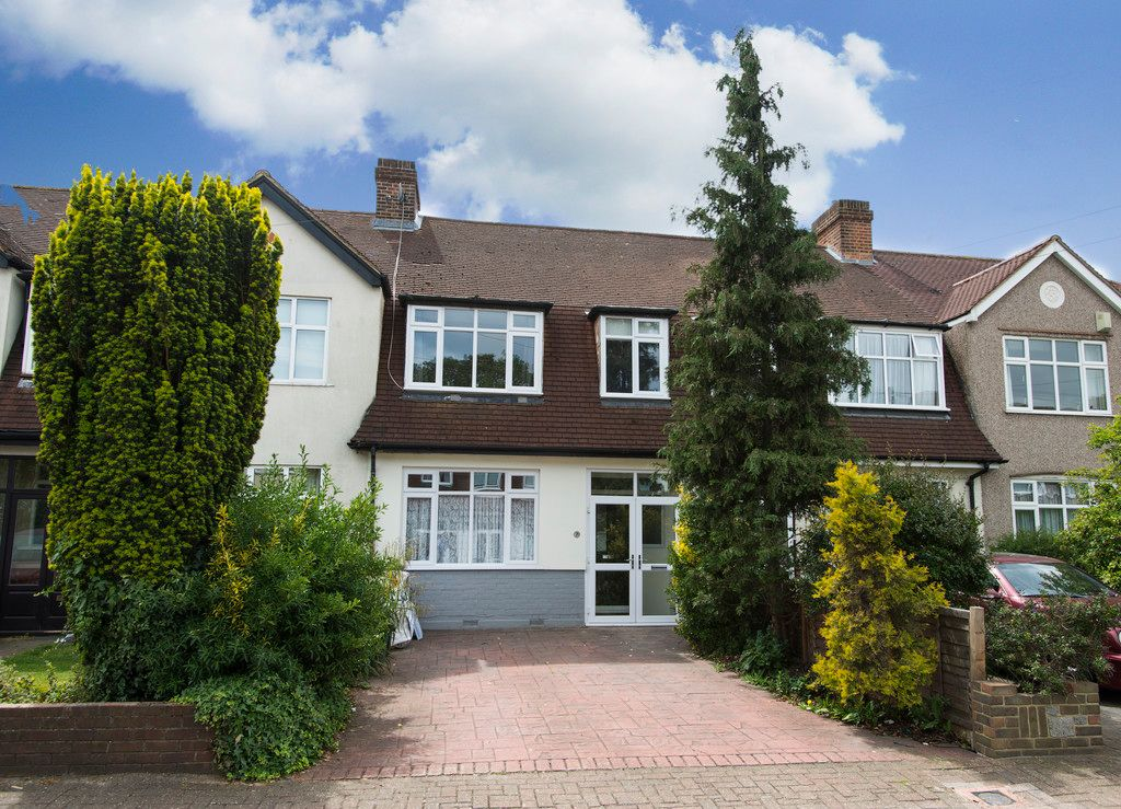 3 bed house for sale in Wimborne Way, Beckenham 1