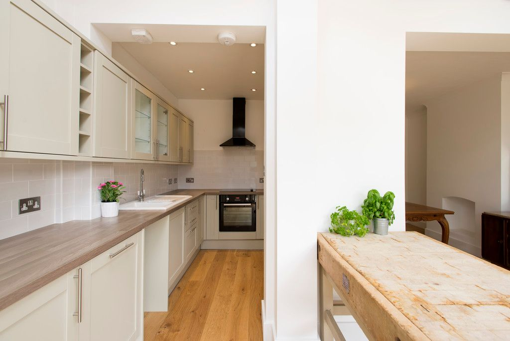 3 bed house for sale in Wimborne Way, Beckenham 5