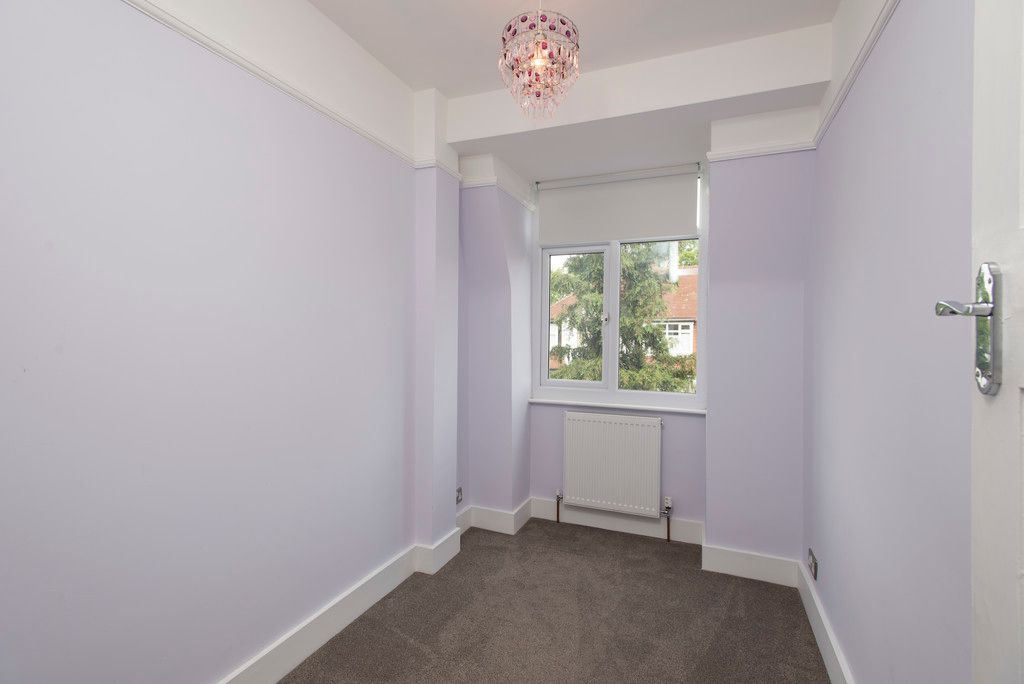 3 bed house for sale in Wimborne Way, Beckenham 8