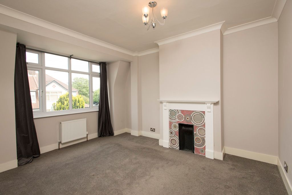 3 bed house for sale in Wimborne Way, Beckenham 9