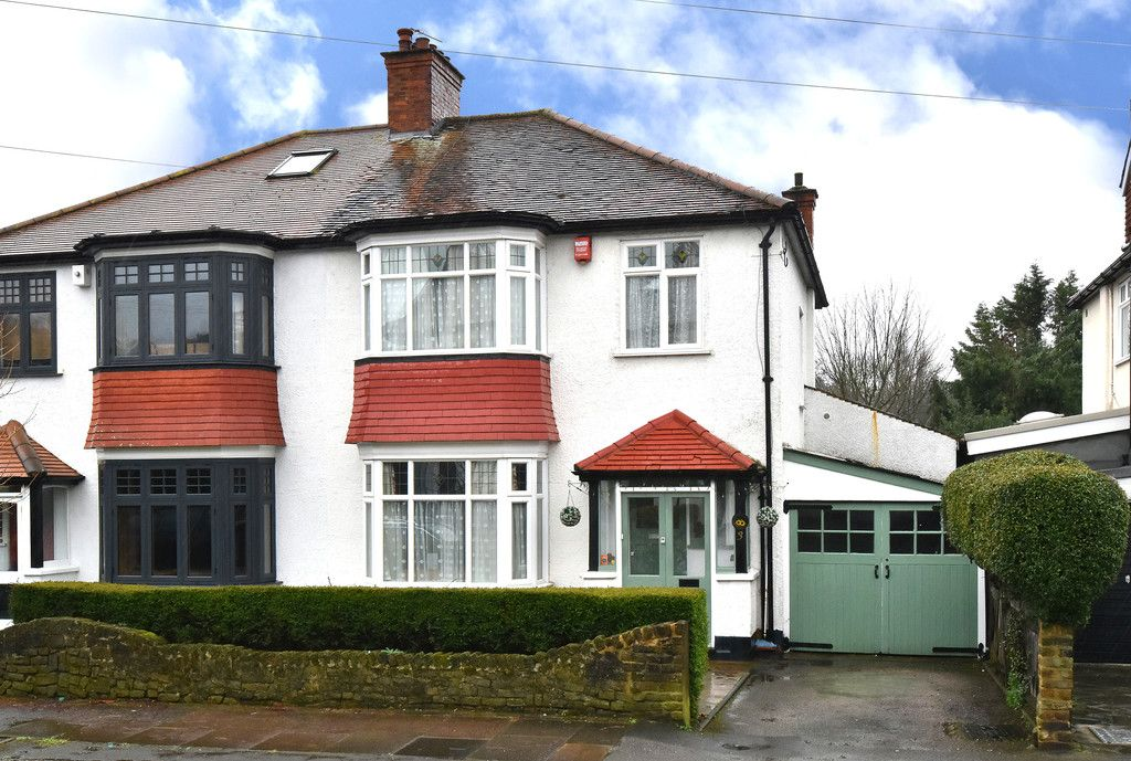 3 bed house for sale in Warren Avenue, Bromley, BR1
