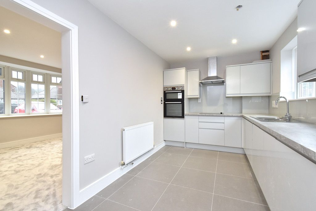 2 bed house for sale in Breakspears Drive, Orpington 3
