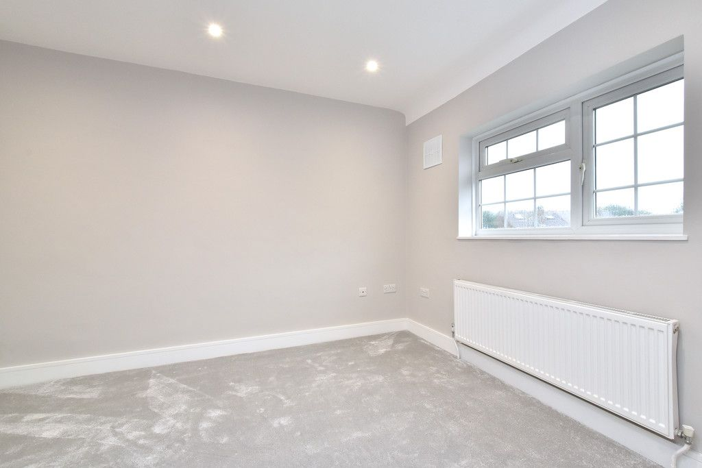 2 bed house for sale in Breakspears Drive, Orpington 6