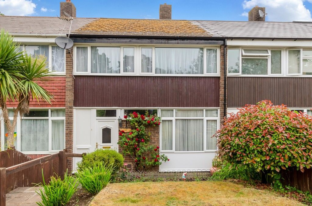 3 bed house for sale in Ravensmead Road, Bromley 1