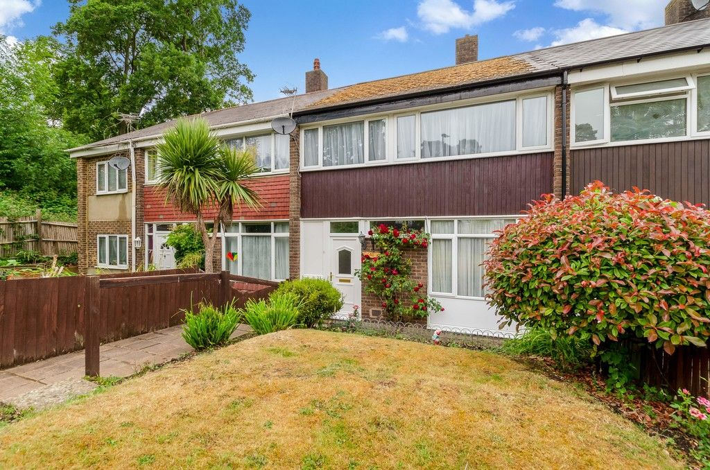 3 bed house for sale in Ravensmead Road, Bromley 2