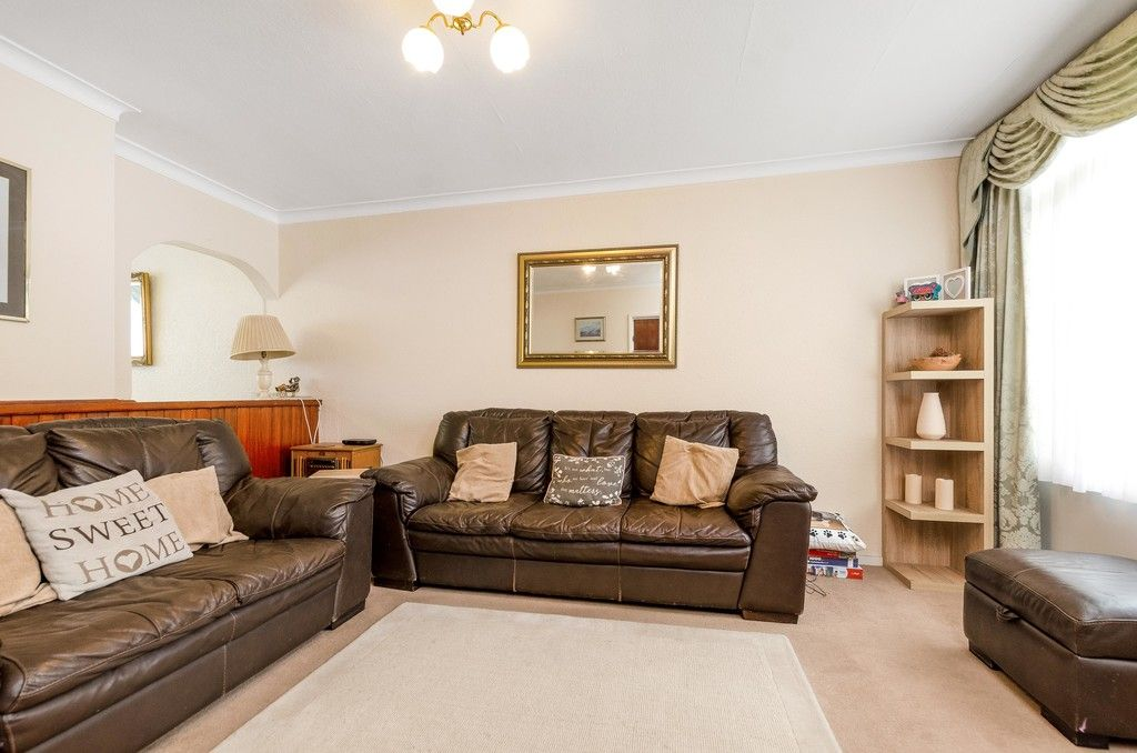 3 bed house for sale in Ravensmead Road, Bromley 6