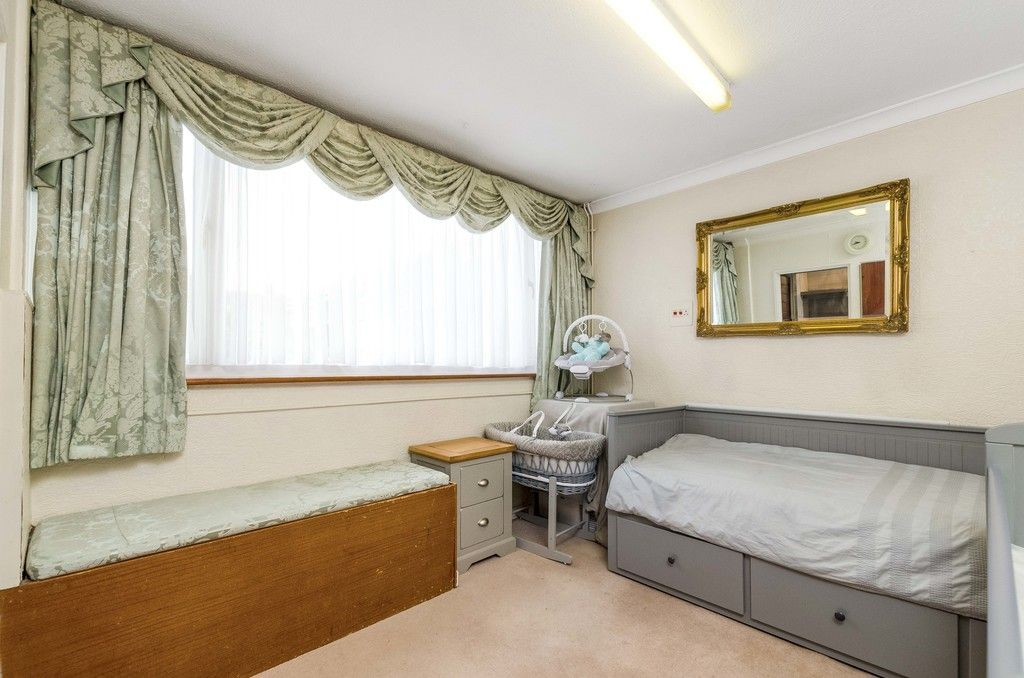 3 bed house for sale in Ravensmead Road, Bromley  - Property Image 9