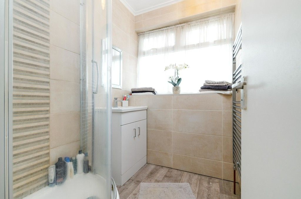3 bed house for sale in Ravensmead Road, Bromley  - Property Image 10