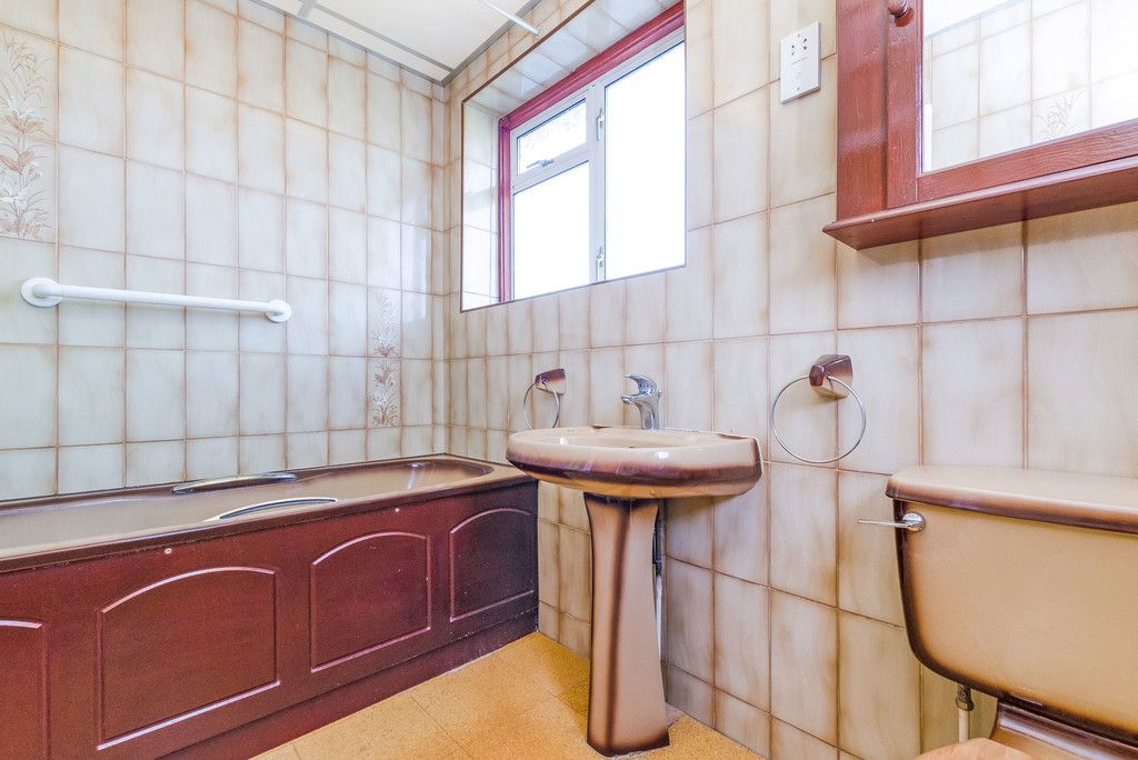 3 bed house for sale in Red Oak Close, Locksbottom 15