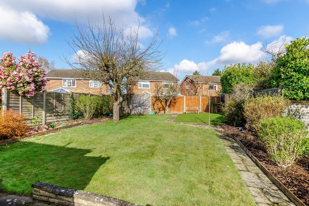 3 bed house for sale in Red Oak Close, Locksbottom 16