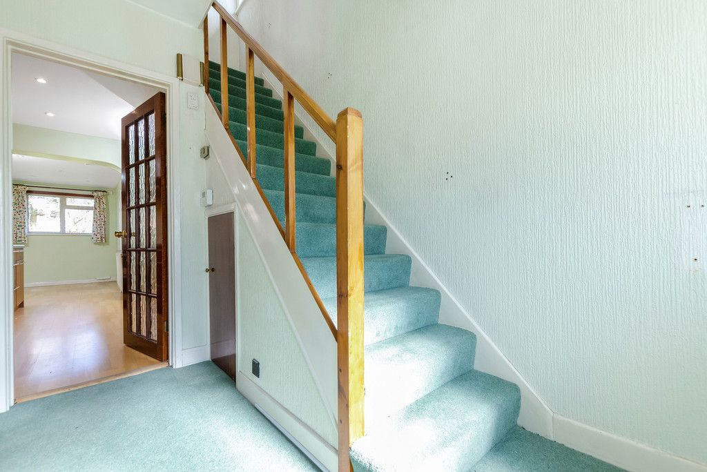 3 bed house for sale in Red Oak Close, Locksbottom 3