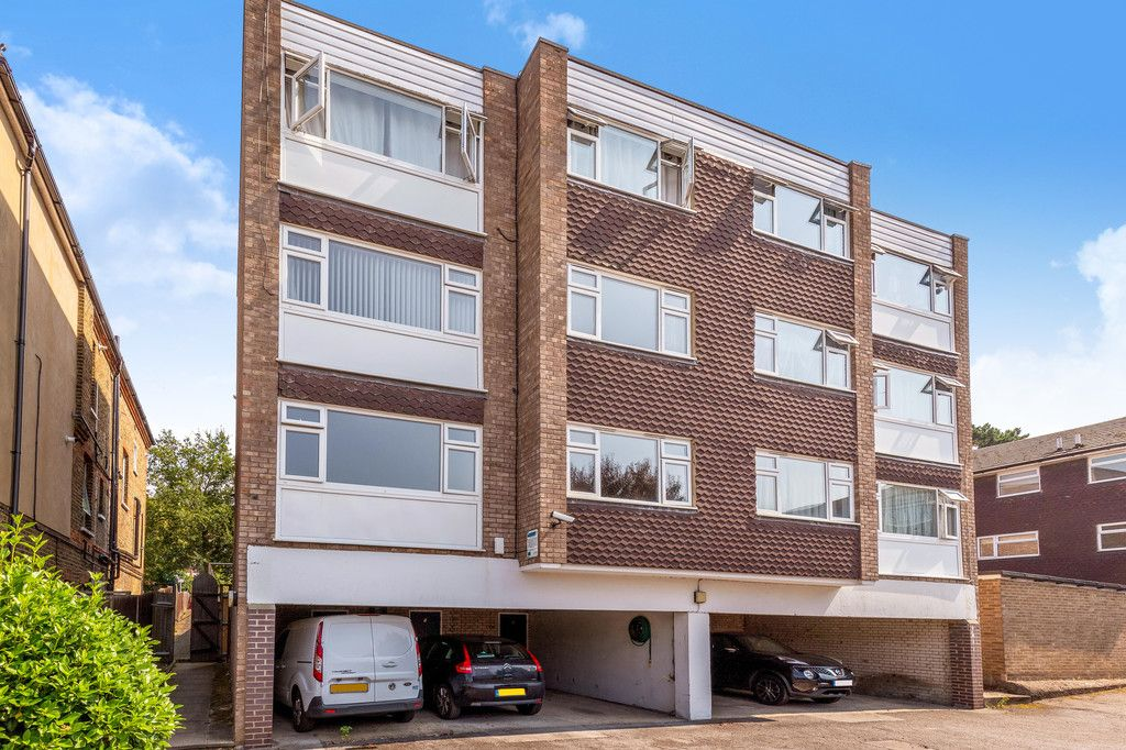 1 bed flat for sale in Farnaby Road, Shortlands 2