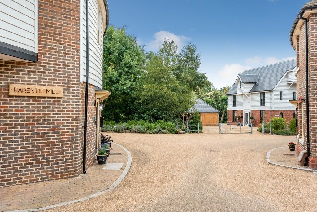 3 bed house for sale in Darenth Mill Lane 2
