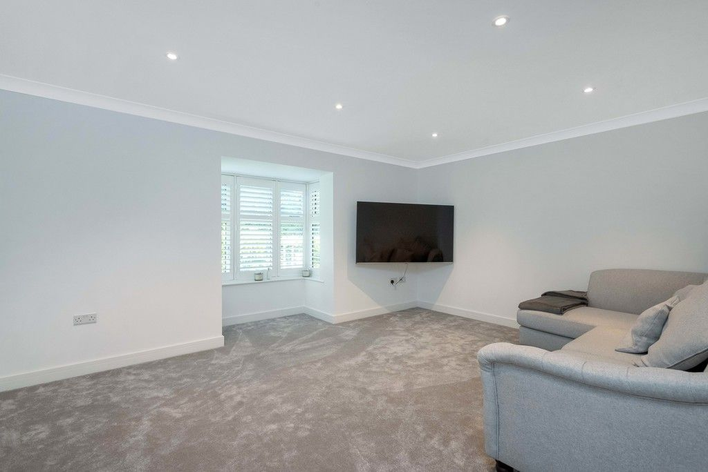 3 bed house for sale in Darenth Mill Lane 4