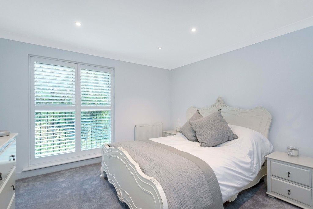 3 bed house for sale in Darenth Mill Lane 9