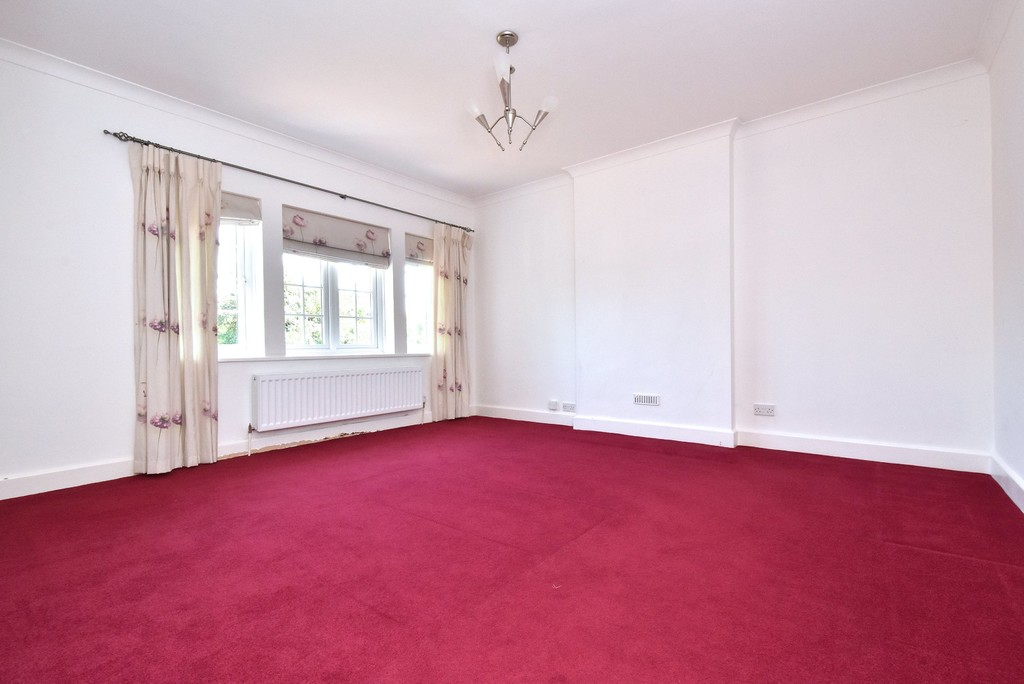 5 bed house for sale  - Property Image 11