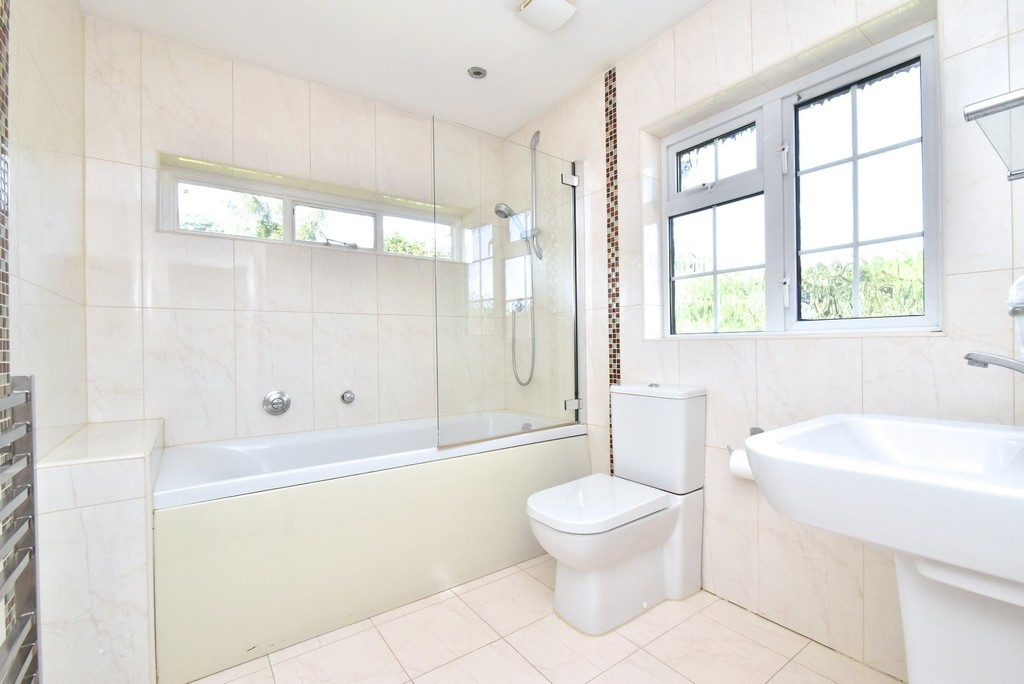 5 bed house for sale  - Property Image 16