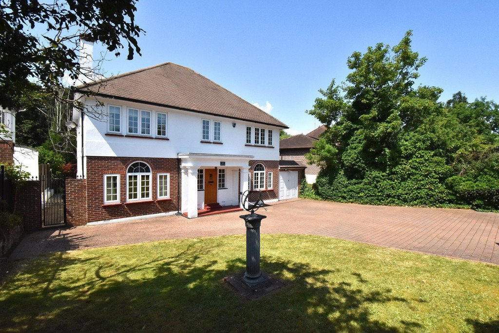 5 bed house for sale  - Property Image 18