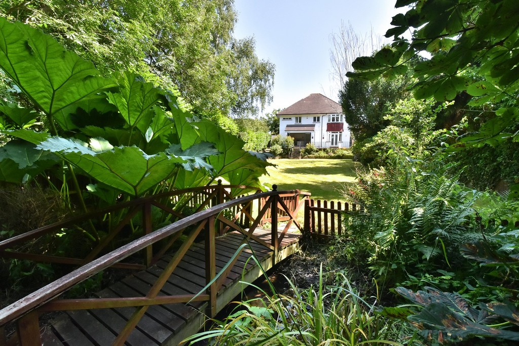 5 bed house for sale  - Property Image 20